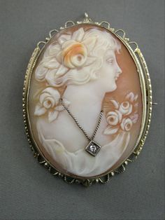 EXCEPTIONAL ANTIQUE 14K YELLOW GOLD SHELL CAMEO WITH DIAMOND NECKLACE PIN BROOCH