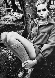 Twiggy photographed by Jeanloup Sieff, October 1967. My nickname as a teenager... to be tgat skinny again ;).