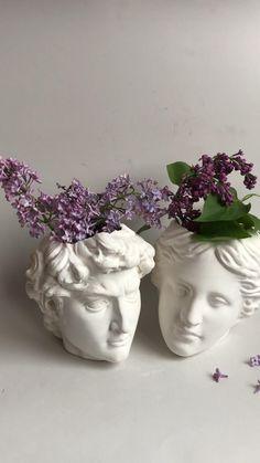 Business Desk, Business Storage, Cool Gadgets To Buy, Head Planters, Flower Vases, Flowers, Pen Holders, Candle Holders, Antique Desk