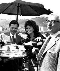 Sophia Loren, Marcello Mastroianni and Vittorio De Sica on the set of Matrimonio all'italiana
