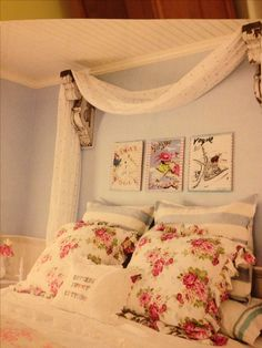 LUV the curtain behind bed and the soothing colors #bestofcottagestyle