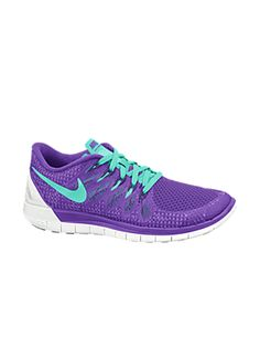 Products engineered for peak performance in competition, training, and life. Shop the latest innovation at Nike.com...I love these colors and I love the fit of these and they're recommended for my type of feet and my running stride!  I did lots of research ^_^