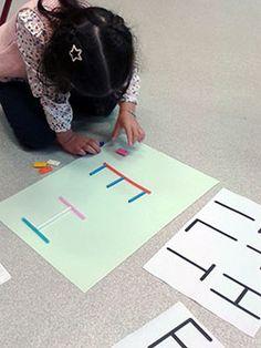 Lettres droites - reconstitution Petite Section, Education, Gnomes, Ps, Alphabet, Art Activities For Kids, Language, September, Teaching