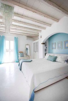 House of Turquoise: Mykonos Panormos Villas + Fun News! House of Turquoise: Mykonos Panormos Villas + Fun News! Nachhaltiges Design, Design Case, Interior Design, Dream Bedroom, Home Bedroom, Bedroom Decor, Master Bedroom, Master Suite, House Of Turquoise
