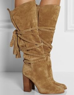 53 Knee High Boots That Always Look Fantastic shoes womenshoes footwear shoestrends Source by fashion boots Pretty Shoes, Beautiful Shoes, Cute Shoes, Me Too Shoes, Gorgeous Women, Michael Kors Boots, Prom Shoes, Dress Shoes, Dress Clothes