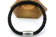 Lækkert herresrmbånd i blødt flettet læder i 6 mm tykkelse