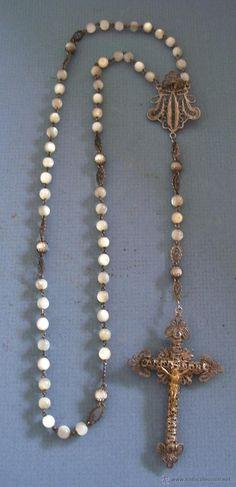 antiguo rosario con cruz de filigrana y cuentas de nacar / madre de perla (51cm aprox) - Foto 1
