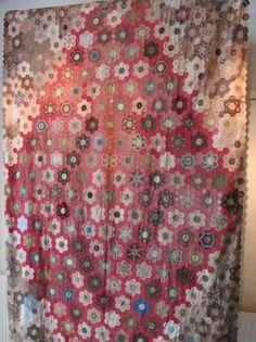 Aunt Tjorven: Quilt Exhibition An Moonen in Westervoort. A patchwork of hexagons of about 1830