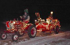 Christmas tractors *~* Christmas Crack, Country Christmas, Christmas Snowman, Christmas Lights, Merry Christmas, Christmas Decorations, Xmas, Christmas Ornaments, Christmas Ideas