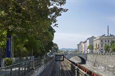 U-Bahnlinie und Wienfluss.
