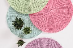 Raffia Placemat Crochet Pattern #raffia #diy #crochet #placemat #summer