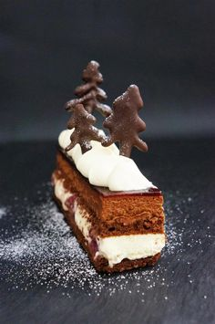 Cakelets and Doilies: Flourless Black Forest Entremet Fancy Desserts, Great Desserts, Dessert Recipes, Chef Recipes, Mini Cakes, Cupcake Cakes, Flourless Cake, Baking And Pastry, Sans Gluten