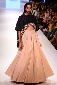 Pari cape lehenga set available only at Pernia's Pop Up Shop. #lakmefashionweek #payalsinghal #clothing #ramp #designer
