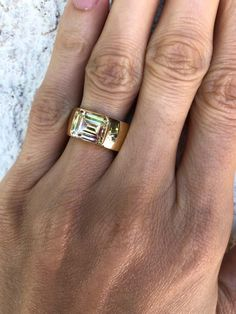 Emerald cut diamond Band Ring In New Condition For Sale In Los Angeles, CA Rose Gold Eternity Band, Gold Diamond Wedding Band, Diamond Bands, Diamond Cuts, Vintage Style Rings, Wedding Rings Vintage, Vintage Engagement Rings, Cushion Cut Diamonds, Emerald Cut Diamonds