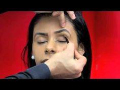 Maquiador ensina como fazer maquiagem em peles morenas