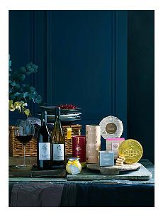 SELFRIDGES SELECTION Classic Christmas hamper Christmas 2019, Christmas Shopping, Xmas, Christmas Hamper, Christmas Gifts, Diwali Gift Hampers, Chocolate Hampers, Luxury Hampers, Food Hampers