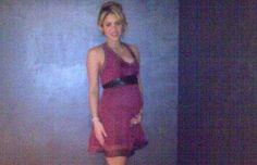 Shakira publica en Twitter foto de su embarazo.