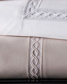 -5PTU SFERRA  King 1,020TC Solid Sateen Fitted Sheet Two Standard 1,020TC Lace Sateen Pillowcases