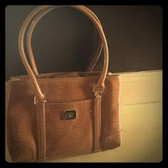Light brown purse Liz Claiborne brown leather purse. Minimum damage. Only damage done is the straps(as shown in picture). Liz Claiborne Bags Shoulder Bags