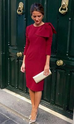A Pencil dress below the knee. Three quarter sleeves, high round neck with a one side shoulder bow. Cream clutch handbag matching with the stiletto shoes. Next Dresses, Lovely Dresses, Stylish Dresses, Day Dresses, Evening Dresses, Casual Dresses, Short Dresses, Prom Dresses, Formal Dresses
