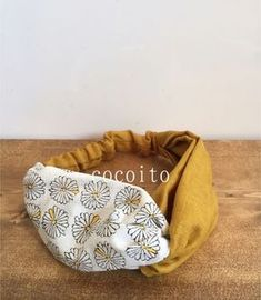 Outstanding sewing hacks are offered on our web pages. Newborn Girl Headbands, Sewing Headbands, Fabric Headbands, Sewing Hacks, Sewing Projects, Diy Hair Scrunchies, Diy Couture, Headband Pattern, Diy Hair Accessories