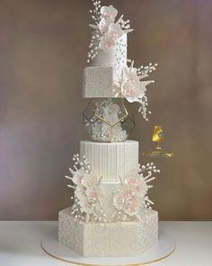 Fancy Wedding Cakes, Christmas Wedding Cakes, Amazing Wedding Cakes, Wedding Cake Designs, Luxury Wedding Cake, Wedding Dress Cake, Wedding Cake Table Decorations, Wedding Table, Wedding Ideas