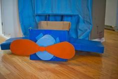 SevenOneSix: Airplane Birthday Party - DIY cardboard airplane