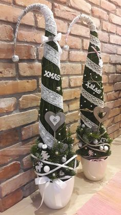 Outdoor Christmas Decorations, Christmas Centerpieces, Holiday Decor, Christmas Time, Christmas Crafts, Merry Christmas, Grinch Trees, Xmas Tree, Christmas Stockings