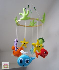 Móbile tema mar Baby Mobiles, Pillows, Crafts, Diy, Baby Things, Felt Mobile, Manualidades, Bricolage, Baby Vans
