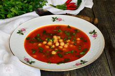 Supa de pui cu galuste - CAIETUL CU RETETE Supe, Chana Masala, Ethnic Recipes, Food, Vegetarian, Essen, Yemek, Eten, Meals