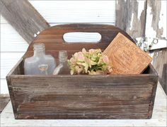 wall hung caddy - make from old wood or crate Reclaimed Wood Projects, Pallet Projects, Tool Tote, Wooden Tool Boxes, Antique Tools, French Farmhouse, Old Wood, Made Of Wood, Crates
