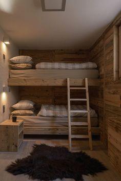 Post: Chalet suizo de madera --> Casa de madera, casa montaña, chalet suizo, estilo alpino, estilo escandinavo, estilo nórdico, suelo de madera, lavabo piedra, tablones madera revestimiento, roble, diseño, interior design, home style, home decor, decor inspiration