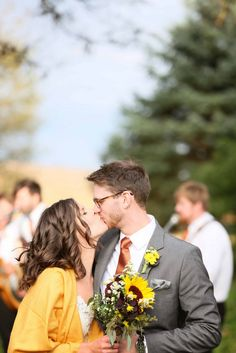 Colorful Vintage Chic Wedding at Storybook Gardens|Photographer: Jon Larson Photography