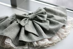 Grey bow skirt mini with lace petticoat-LOVE!