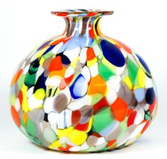"Height 12 cm x width 13 cm; weight 800 grams. Blown Murano glass vase entirely handmade with multicoloured Mace and Murrine. This artwork was made by master glassmaker Campanella. Supplied with its certificate of guarantee. Original label: "" Campanella L. Murano Made in Italy"". Safe and professional packaging. Condition: new."