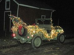 jeep decorated for the holidays - Jeep Christmas Decorations