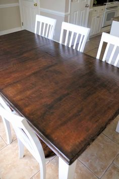 Want to learn how to use chalk paint to update your furniture? Check out my Chalk Paint Dining Table Makeover DIY Tutorial for beginners using Rustoleum Chalk Paint! Chalk Paint Dining Table, Dark Wood Dining Table, Painted Kitchen Tables, Dinning Room Tables, Diy Dining Table, A Table, Console Tables, Diy Esstisch, Dining Table Makeover