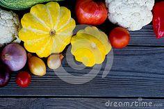 Овощи: цветная капуста, сквош, болгарские перцы, луки и томаты - Скачивайте Из Более Чем 55 Миллионов Стоковых Фото, Изображений и Иллюстраций высокого качества. изображение: 81330380