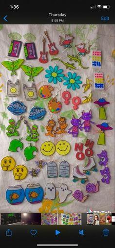 Weird Jewelry, Funky Jewelry, Cute Jewelry, Jewelry Crafts, Handmade Jewelry, Funky Earrings, Diy Earrings, Shrink Plastic Jewelry, Accesorios Casual