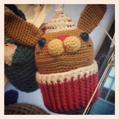 We just had a really nice time exploring the World Amigurumi Exhibition at @resobox in Long Island City. I'll share more pics in the coming days ... If you live in or will be visiting New York before the end of March go see this show! #amigurumi #yarn #yarnlove #yarnaddict #iloveyarn #handmade #diy #craft #crafts #geekery #crochetlovers #instacrochet #crochetaddict #instayarn #crochetersofinstagram #colorful #knit #knitting #knithacker #instaknit #knittersofinstagram #knithack #resobox #art…
