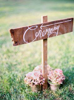 Si celebras tu boda en un espacio al aire libre, es muy probable que haya varias zonas: la de la ceremonia, banquete, cocktail, Photobooth ...