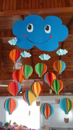 Happy cloud with hot air balloons – paper mobile or decoration - DIY & Crafts Diy Crafts For Kids, Preschool Activities, Fun Crafts, Arts And Crafts, Paper Crafts, Class Decoration, School Decorations, Balloon Decorations, Hot Air Balloon Paper