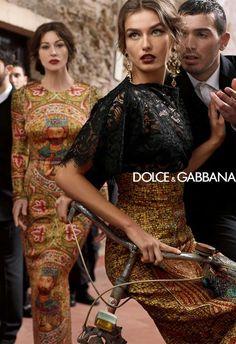 Los consumidores italianos compran cada vez más ropa y accesorios en línea. Esta categoría de productos se ha incrementado en un 25 por ciento a 1.800 millones de euros. Durante los últimos cinco años, esta categoría de productos mostró una tasa de crecimiento anual promedio del 30 por ciento, que es el doble que el comercio electrónico italiano en su conjunto. Las ventas totales de ropa en sitios web italianos de comercio electrónico a los consumidores italianos y extranjeros llegaron a...
