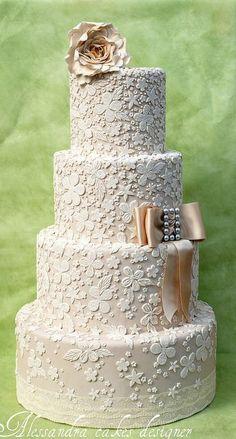 beautiful wedding cake Wedding cake - elegant wedding cake design different colors Beautiful Wedding Cakes, Gorgeous Cakes, Pretty Cakes, Amazing Cakes, Cake Wedding, Ivory Wedding, Purple Wedding, Floral Wedding, Take The Cake