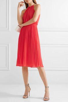 608dedc26 Elegantes y sofisticados vestidos de fiesta de color rojo con los que serás  una invitada 10