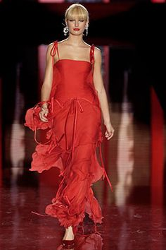 Valentino | Fall 2003 Couture Collection | Style.com