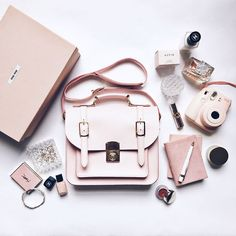 what's inside my handbag