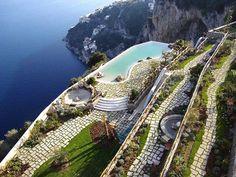 11 Extraordinárias e luxuosas piscinas nas quais você adoraria nadar