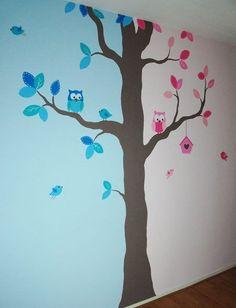 kinderkamer boom voor een jongen en meisje, voor tweeling of 'gewone' broer en zus. Kan naar wens aangepast worden zodat het ook voor 2 meisjes of 2 jongens kan. Ontworpen en geschilderd door BIM Muurschildering. mural boy girl tree