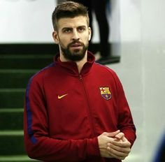 Pique Barcelona, Fc Barcelona, Soccer Pictures, Best Player, Soccer Players, Football, Guys, Sports, Jackets